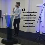 Leonardo Allves, apresentadora de rádio do programa A Voz Do Cristo